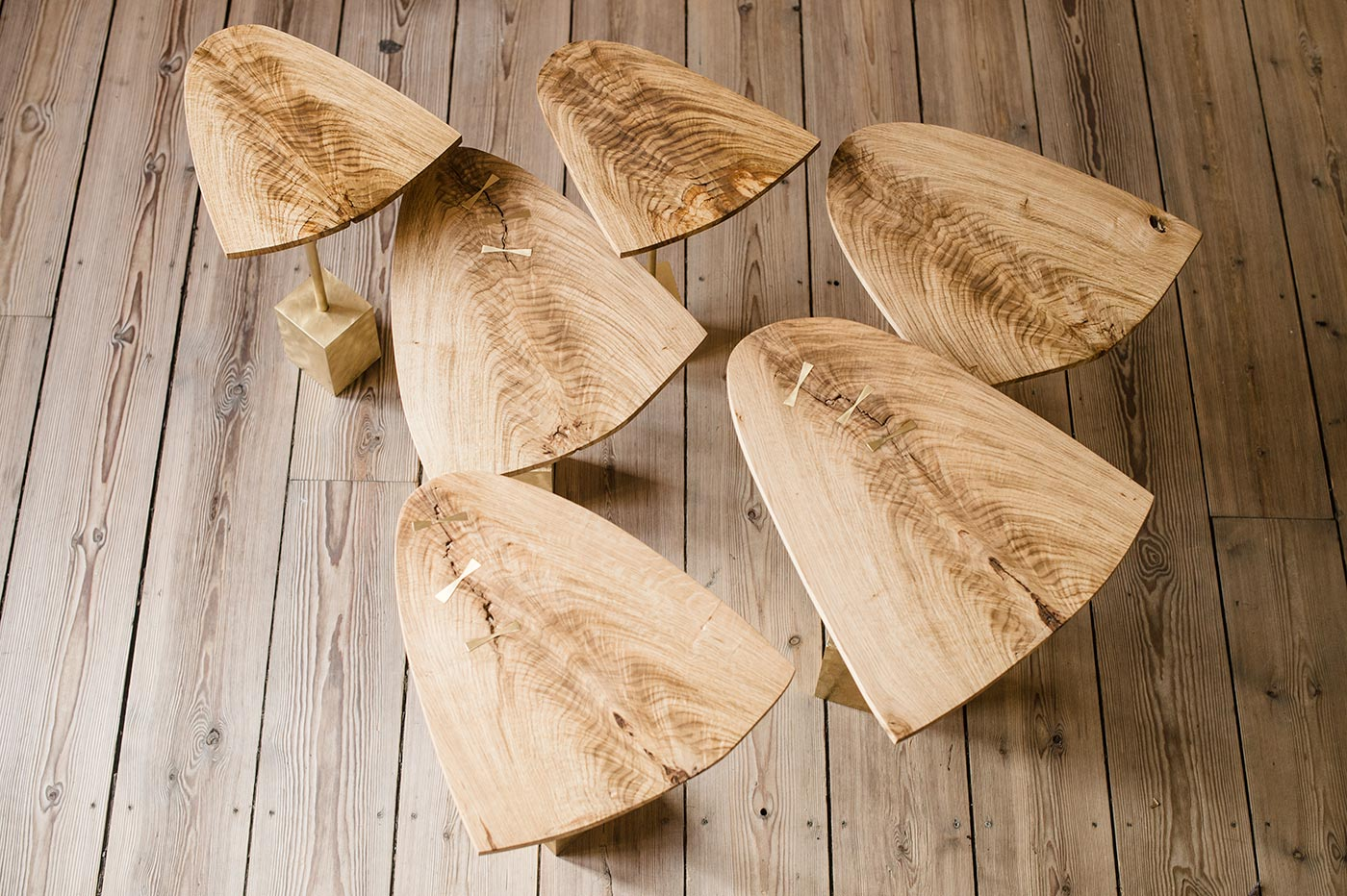 6 leaves/ side tables in 3 different heights
